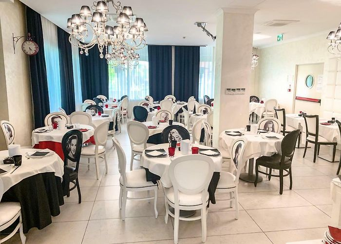 Hotel Le Cinema Gatteo A Mare 3 Italy Rates From 85